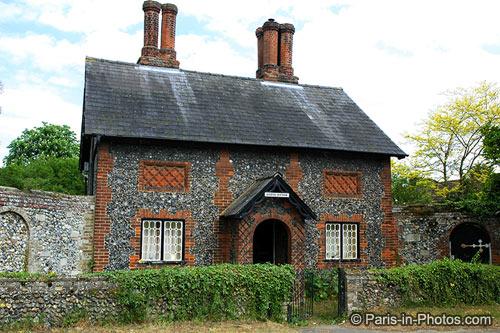 suffolk flint house, flint houses, suffolk england