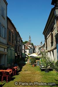 provin grass street