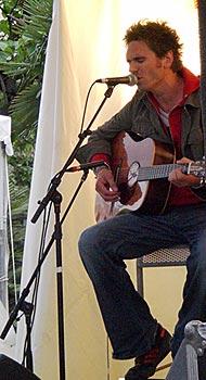 Daniele Groff Italian Singer in Paris